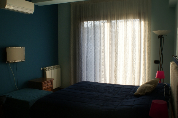 etnabnb-camera-azzurra-2A665D82C-5818-2ACA-D6F1-05F69D3841F0.jpg